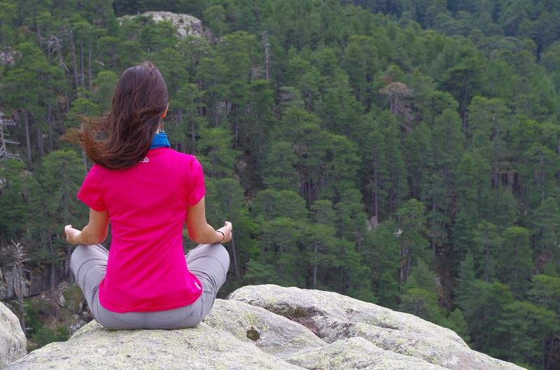 yoga-meditation-foret-corse
